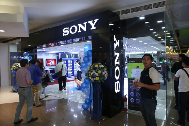 First Sony Playstation Flagship Store In Ph Opens In Sm